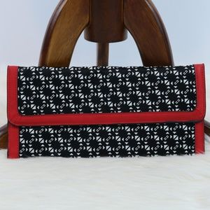 The Limited Black White Print Contrast Clutch Bag